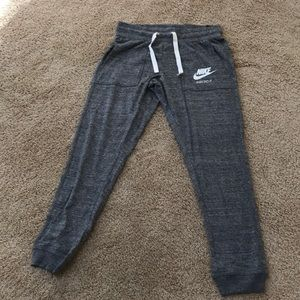 NWT! Nike small grey standard fit joggers